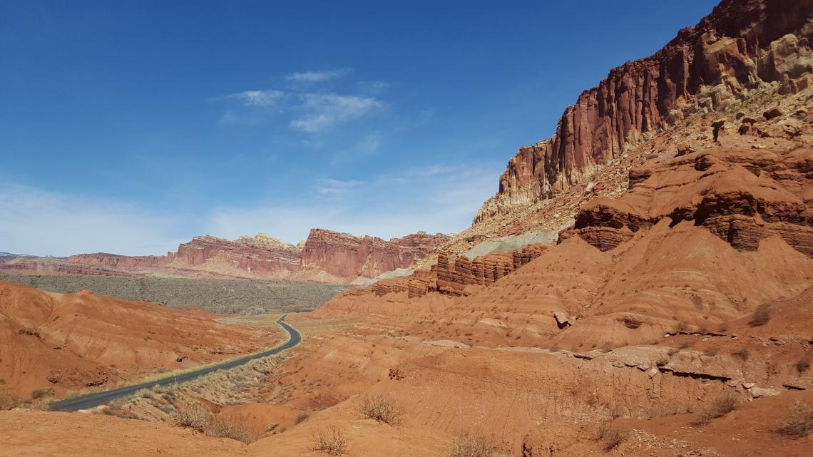 Capitol Reef Utah highway 24 24.03.162016-03-24 12.59.12