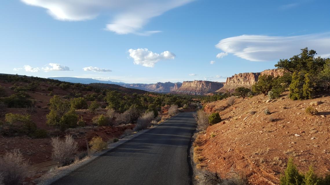 Capitol Reef Utah highway 24 24.03.162016-03-24 18.45.31