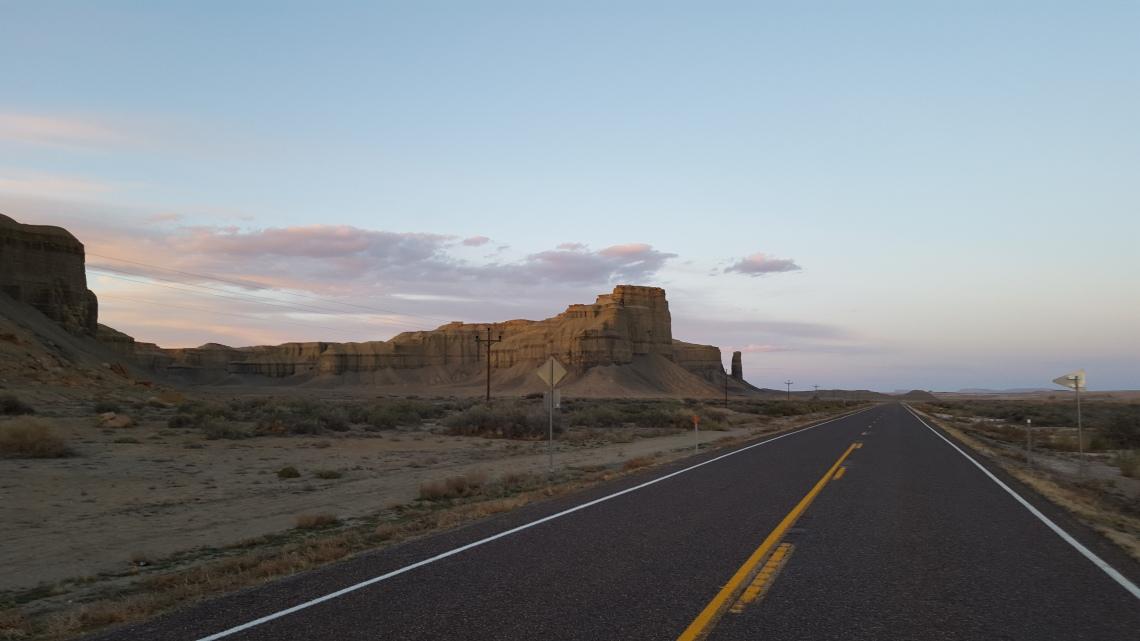 Hanksville Utah highway 24 24.03.162016-03-24 19.36.59