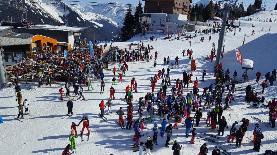 crowds-pleny-nyon-trons-16-02-1720170214_135900