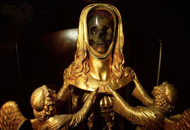 mary-magdalene-skull-reliquary